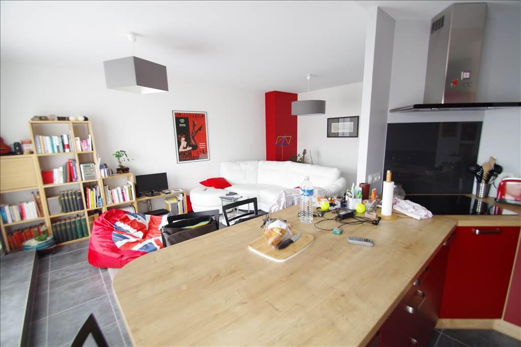 vente appartement angers 4 pi ces angers 231000. Black Bedroom Furniture Sets. Home Design Ideas
